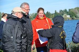 Trainer und Funktionäre im Gespräch